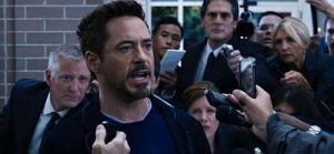 tony-stark-threatens-mandarin-in-iron-man-3